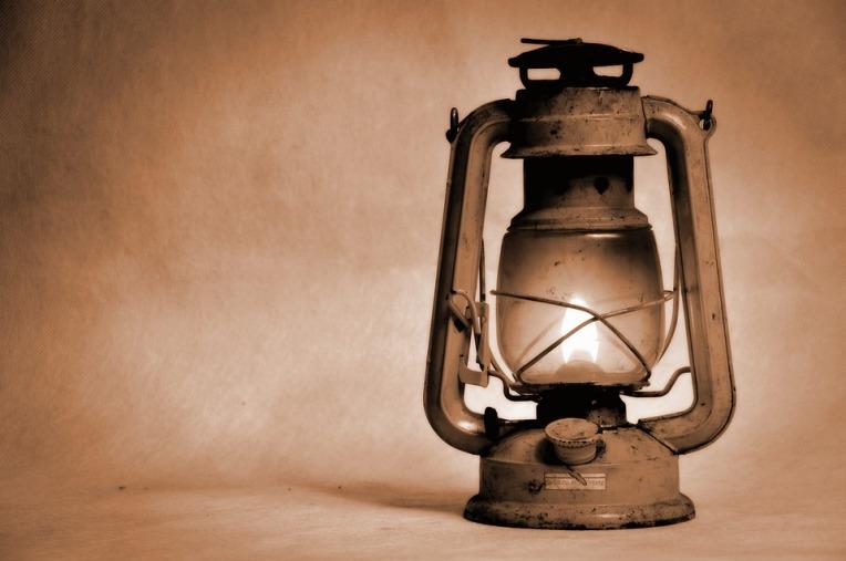 kerosene-lamp-1202281_960_720